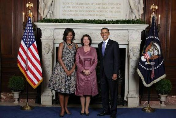 Jahjaga with the Obamas