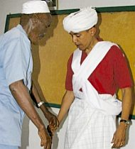 Obama in Muslim garb with Somali religious leader