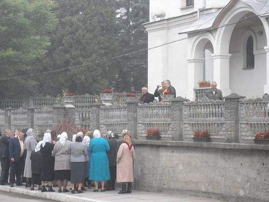 Orthodox church seized in Turka, Ukraine